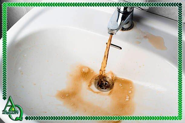 água com ferrugem como tratar